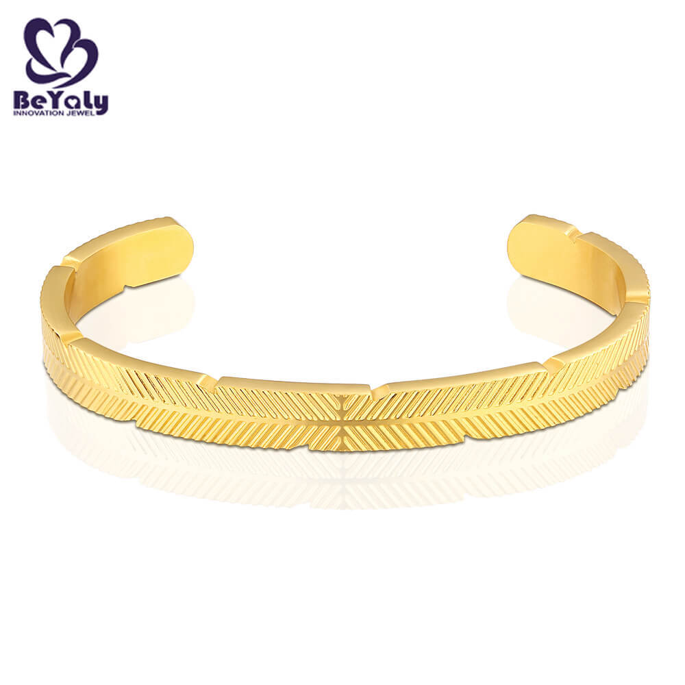 Gold plated leaf vein engraved open style bangle bracelet