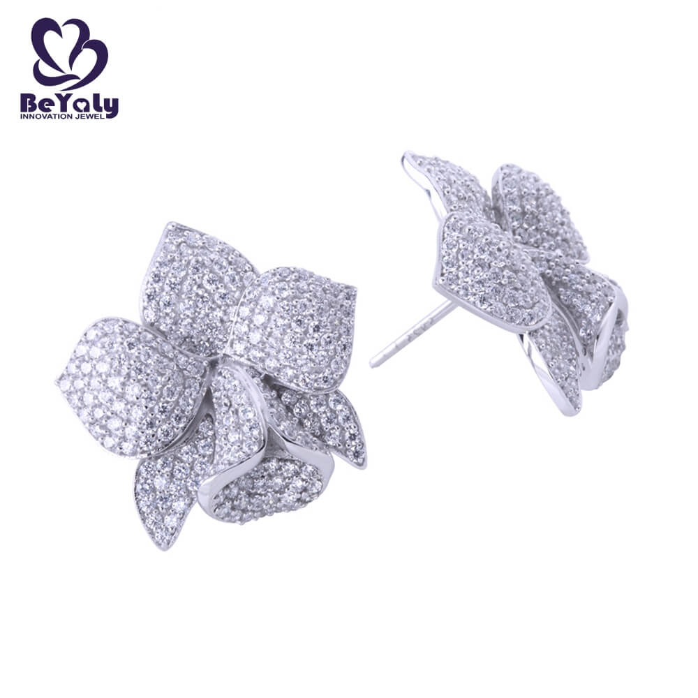 product-Full pave setting aaa cz blooming flower stud earrings-BEYALY-img