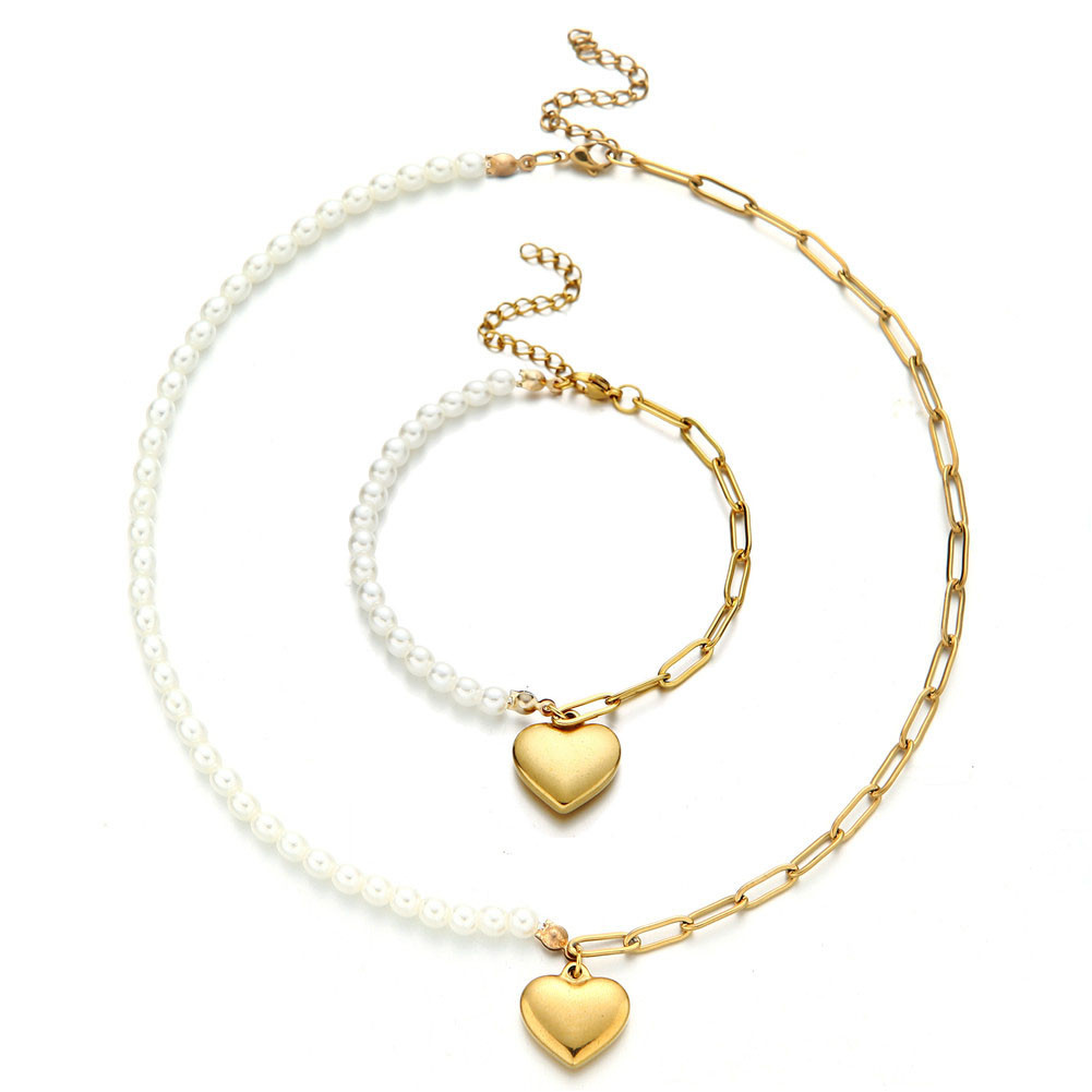 news-BEYALY-What Jewellery Should I Give My Girlfriend for Christmas-img