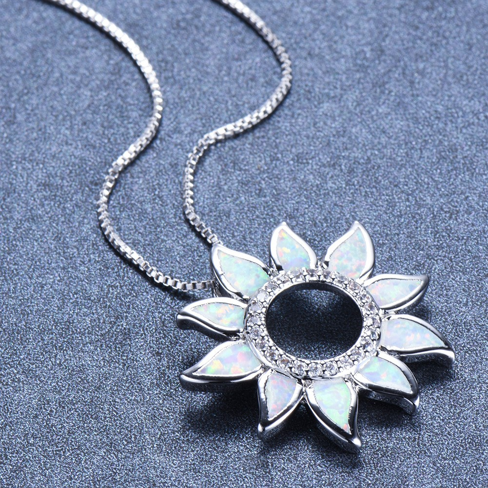 news-BEYALY-The Difference in Aesthetics between East and West Jewelry-img-1