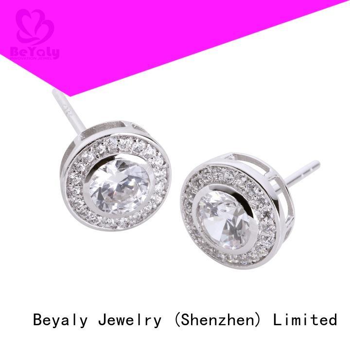 Top circle diamond earrings shape for women