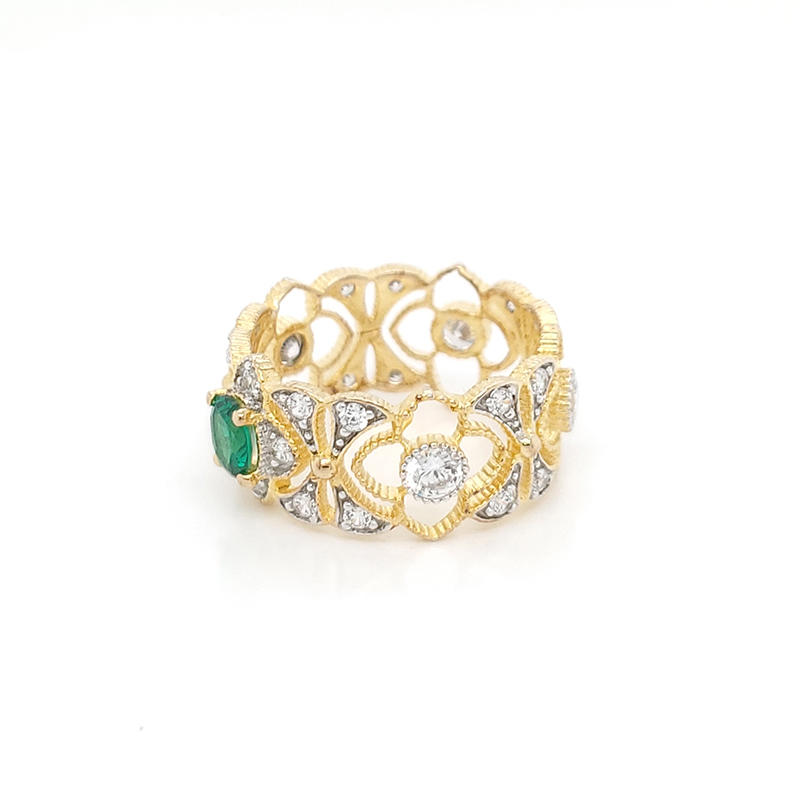 Elegant royal ring