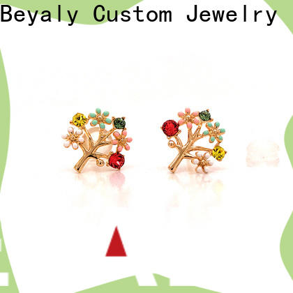 BEYALY shape earrings and jewelry for exhibition