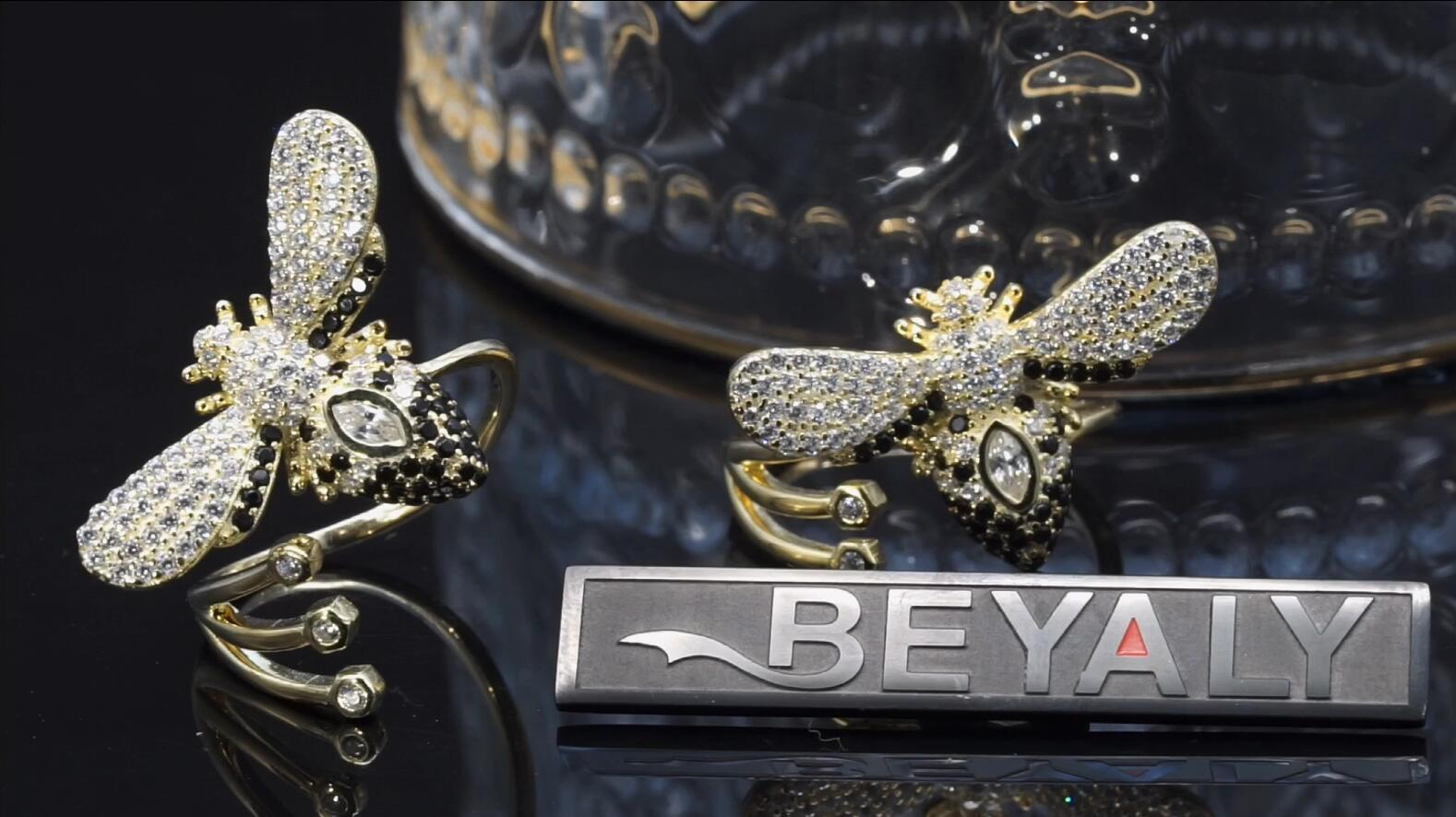 Beyaly Jewelry | Fashion bee design 18k gold plating ring with zircon gemstone