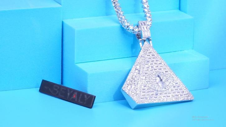 Beyaly Jewelry | Hip hop design shiny pyramid pendant
