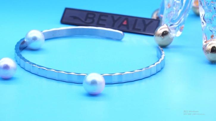 Beyaly Jewelry | Simple design silver water wave texture bangle