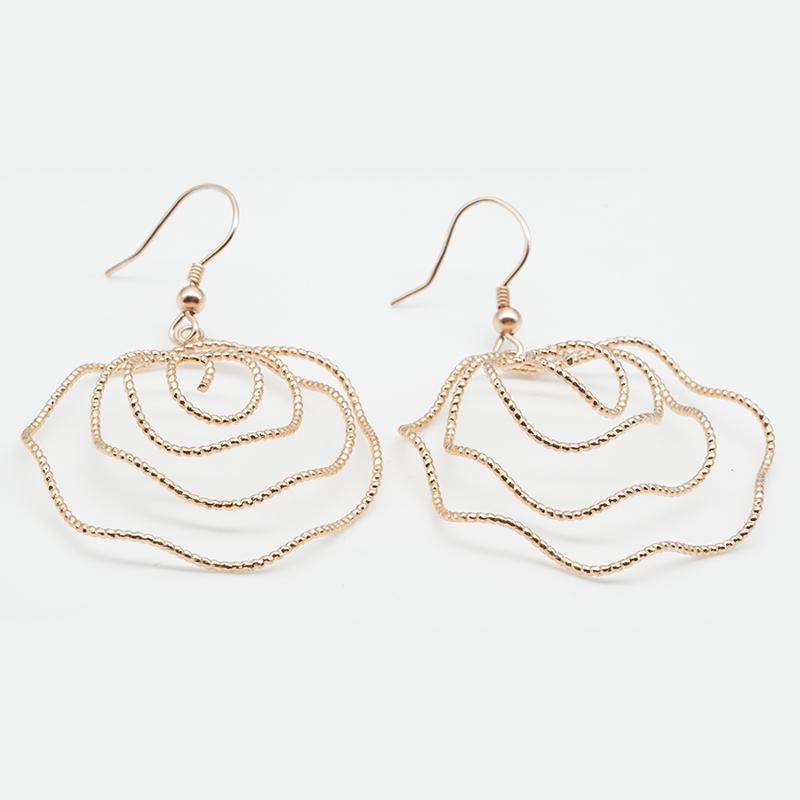 product-Wire Bending Flower Shape Design Women Earring-BEYALY-img-1
