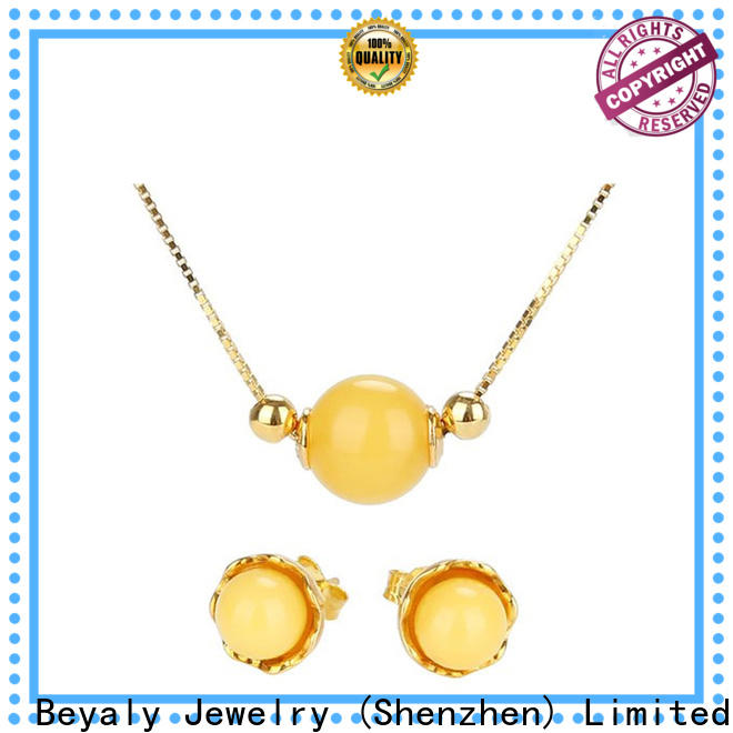 New simple gold choker necklace designs Supply for women